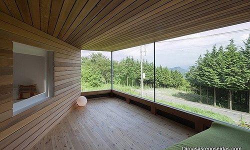 Interiores de casa reposeida