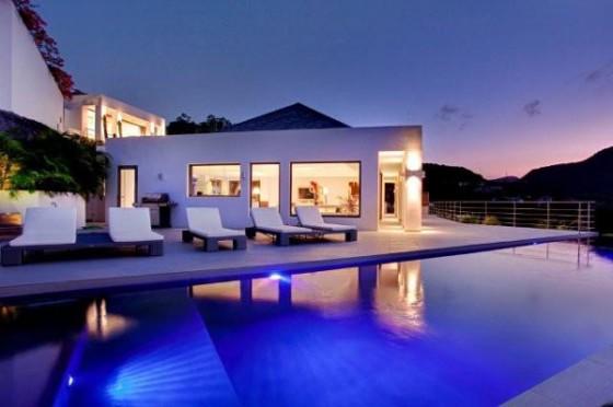 Moderna residencia con vista al mar Piscina