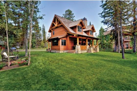 cabaña de campo de dos plantas construidas en madera (7)